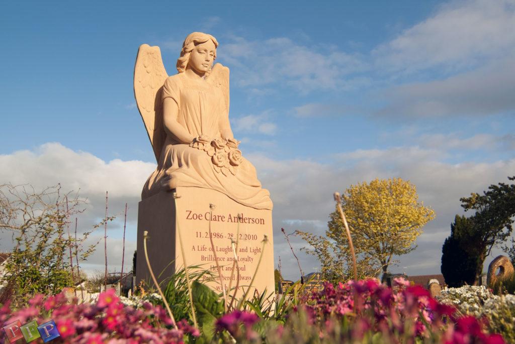 Schöne Grabsteine & Grabmale mit Engel Motiv bestellen