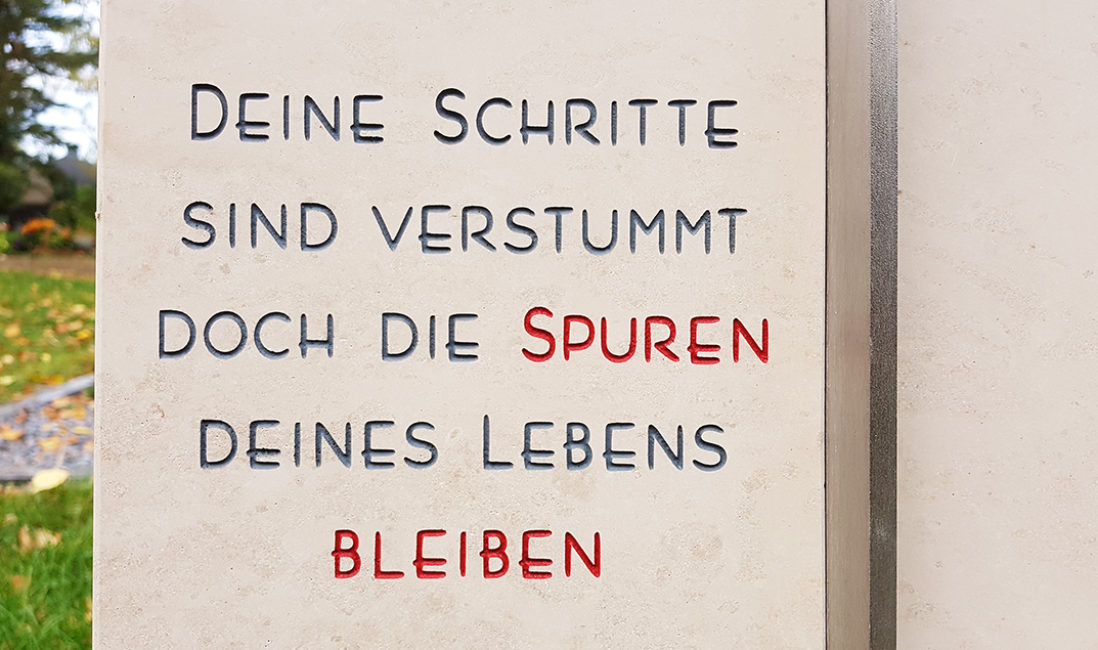 Grabinschrift Grabspruch Grabstein Einzelgrab Kalkstein