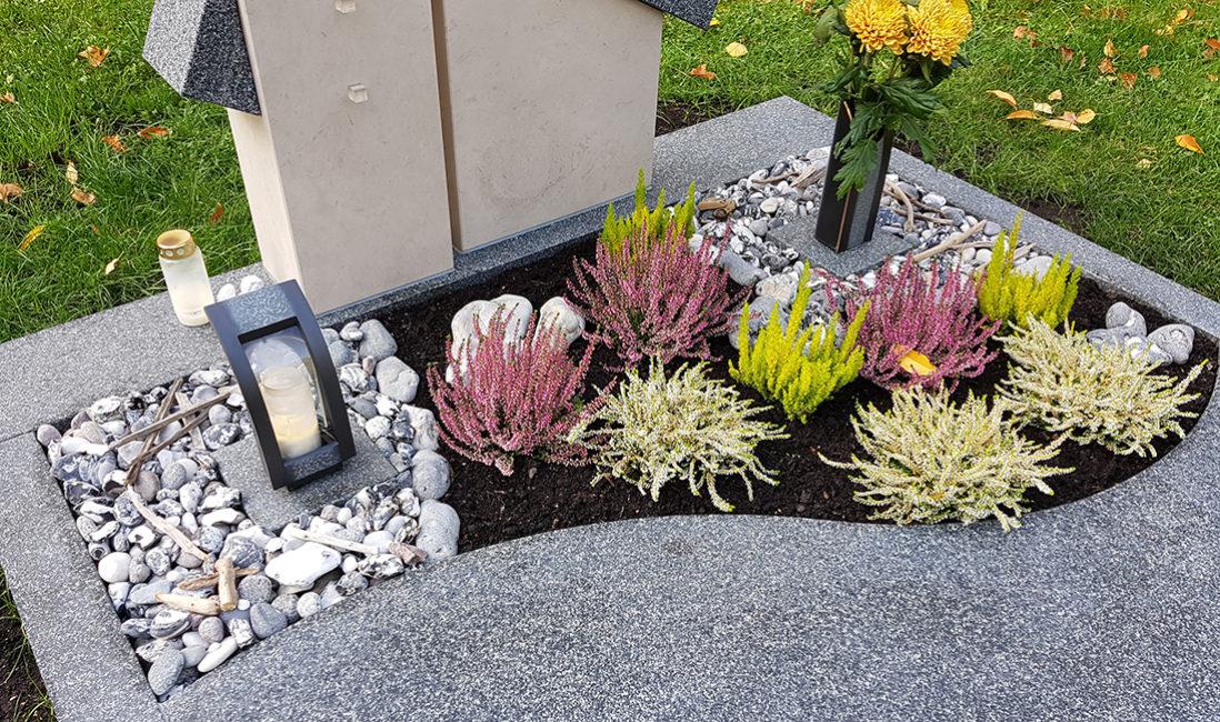 Grabpflanzen Herbst Heide Kies Grabgestaltung Blumen Grabdekoration Beispiel Winterbepflanzung Chemnitz