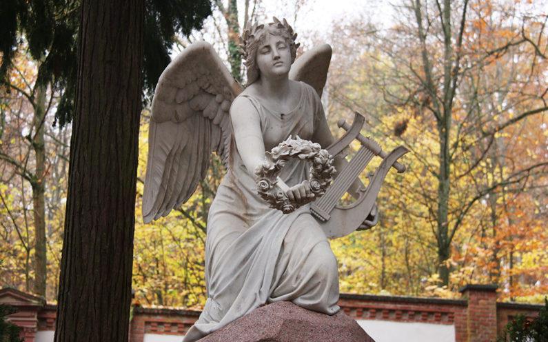 Wiesbaden Nordfriedhof Historische Grabanlage Adelmann von Adelmannsfelden - 2