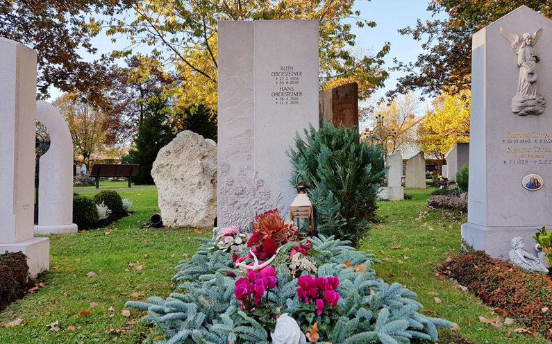 Vaterstetten Friedhof Einzelgrabstein Obersteiner - 1