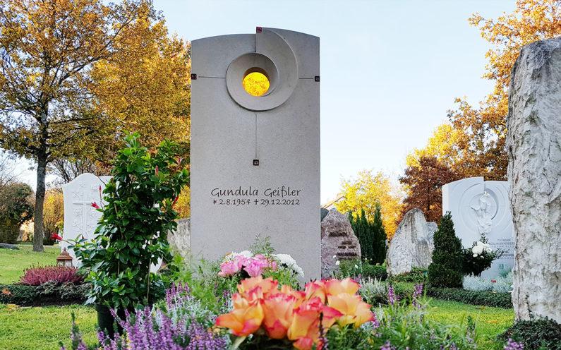 Vaterstetten Friedhof Einzelgrabmal Geißler - 1