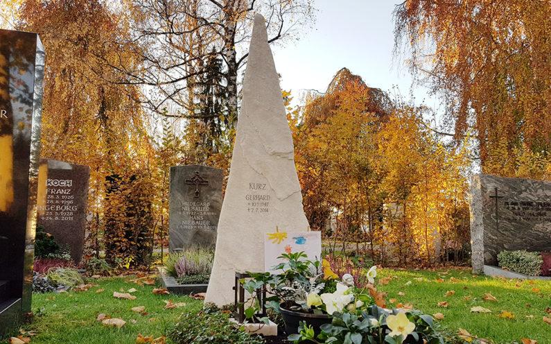 Vaterstetten Friedhof Einzelgrabmal Kurz - 1