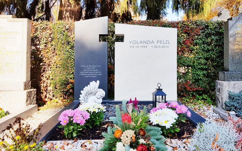 Pfaffenhofen Hauptfriedhof Doppelgrab Pelzl - 1