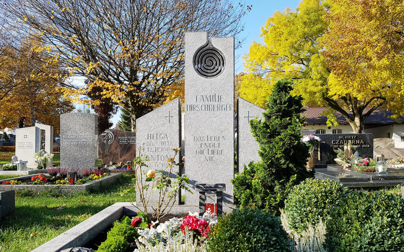 Pfaffenhofen Hauptfriedhof Doppelgrab Hirschberger - 1
