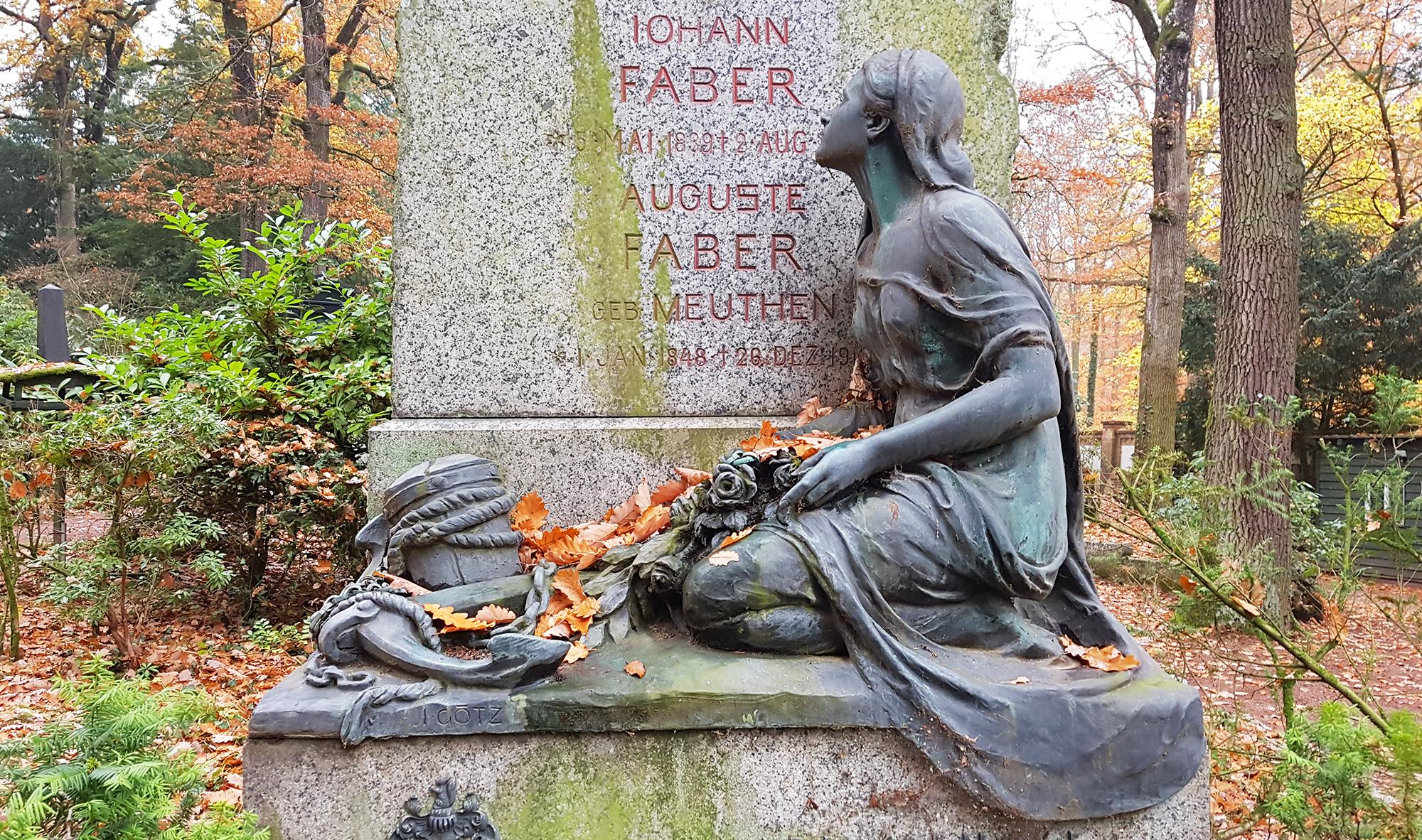 antiker grabstein aus granit bronzefigur jungfrau nordfriedhof wiesbaden. Black Bedroom Furniture Sets. Home Design Ideas