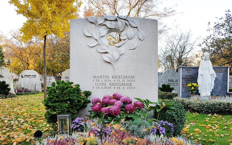 Vaterstetten Friedhof Doppelgrabstein Kriegmair - 1