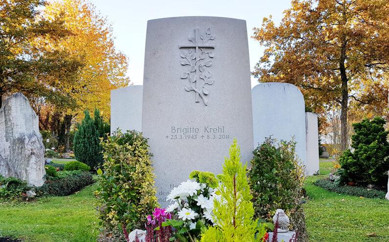 Vaterstetten Friedhof Einzelgrabstein Krehl - 1