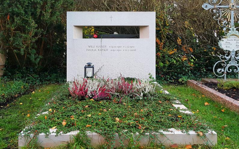 Vaterstetten Friedhof Familiengrabstein Kaiser - 1