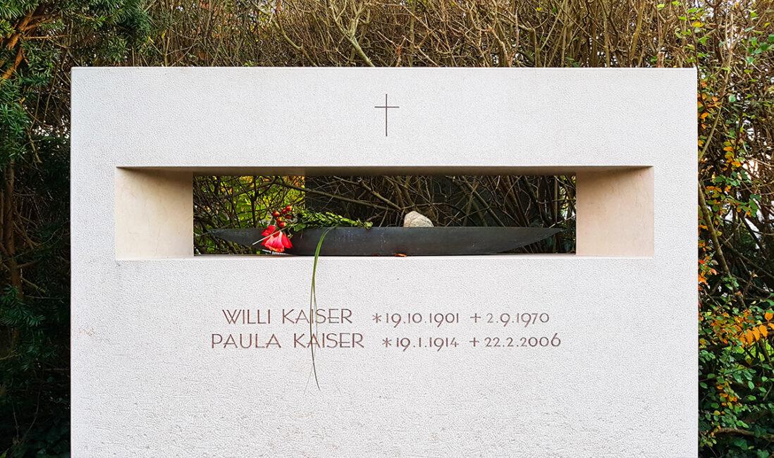 Grabdenkmal Familiengrabanlage Symbol Kreuz Meer Kreuz Loch Grabstein Gestaltung Idee Beispiel Bildhauer Vaterstetten München
