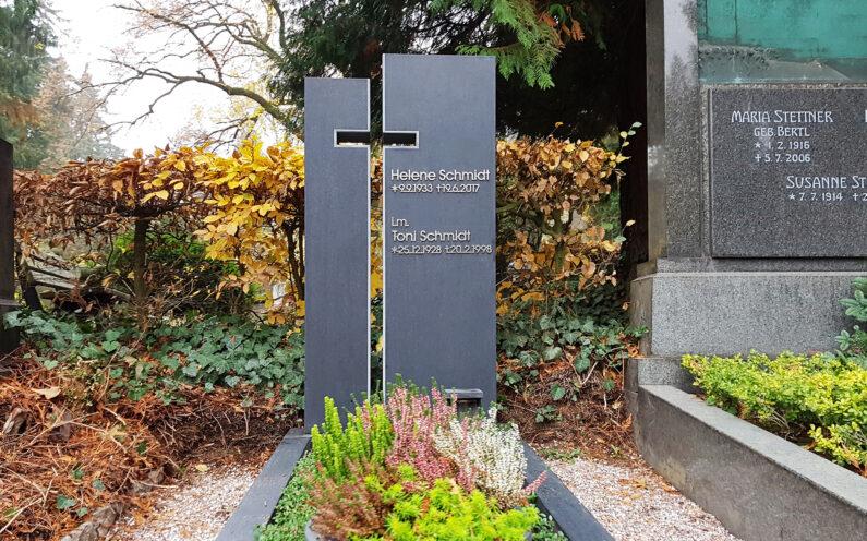 Wiesbaden Nordfriedhof Einzelgrabstein Schmidt - 1