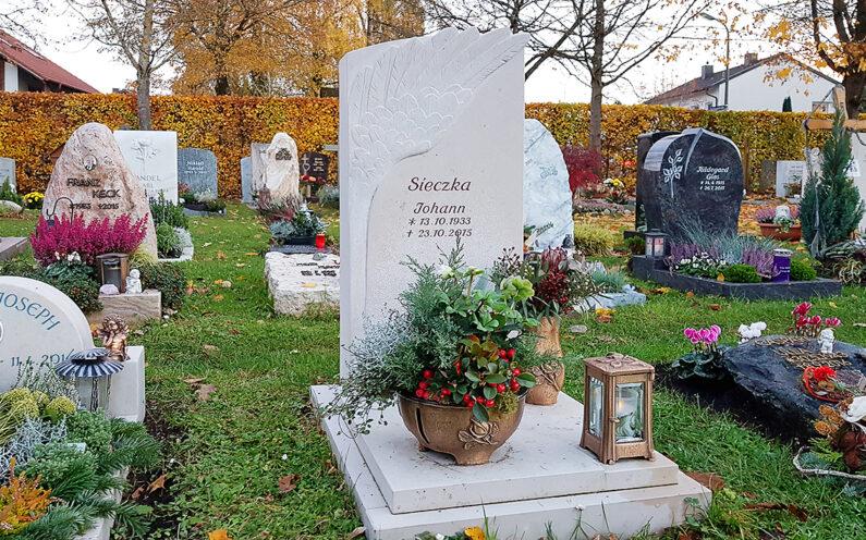 Vaterstetten Friedhof Urnengrabstein Sieczka - 1