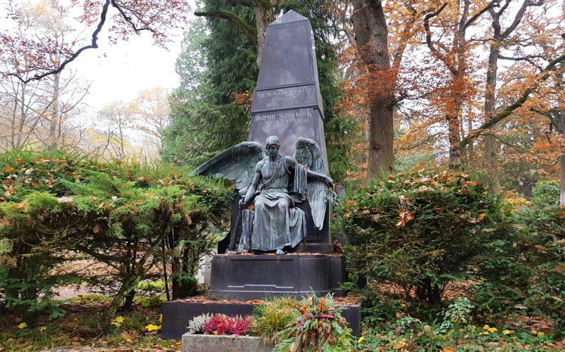 Wiesbaden Nordfriedhof historische Familiengrabstätte mit Engel Schuckert - 2
