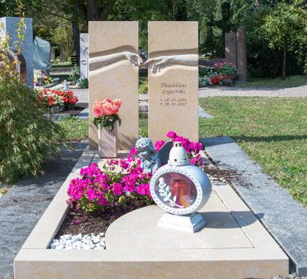 Waldshut Bergfriedhof Einzelgrabmal Legierski
