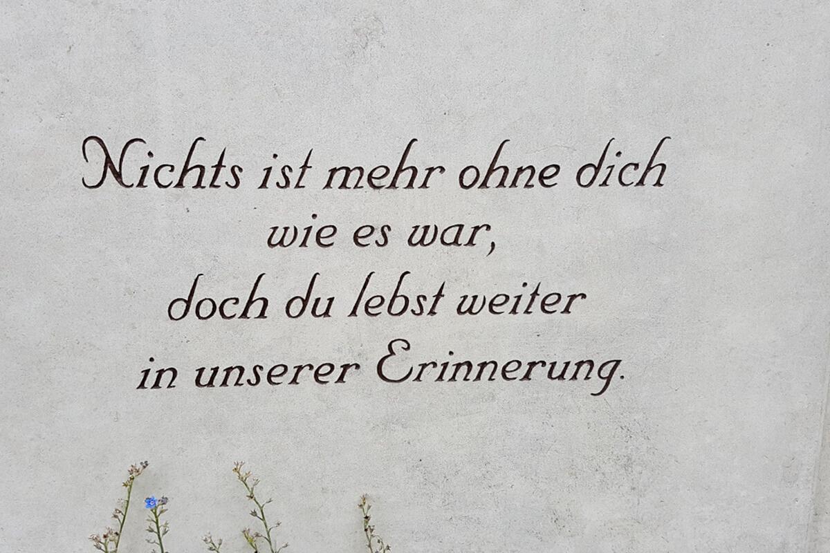 Schöner Grabsteinspruch als Inschrift