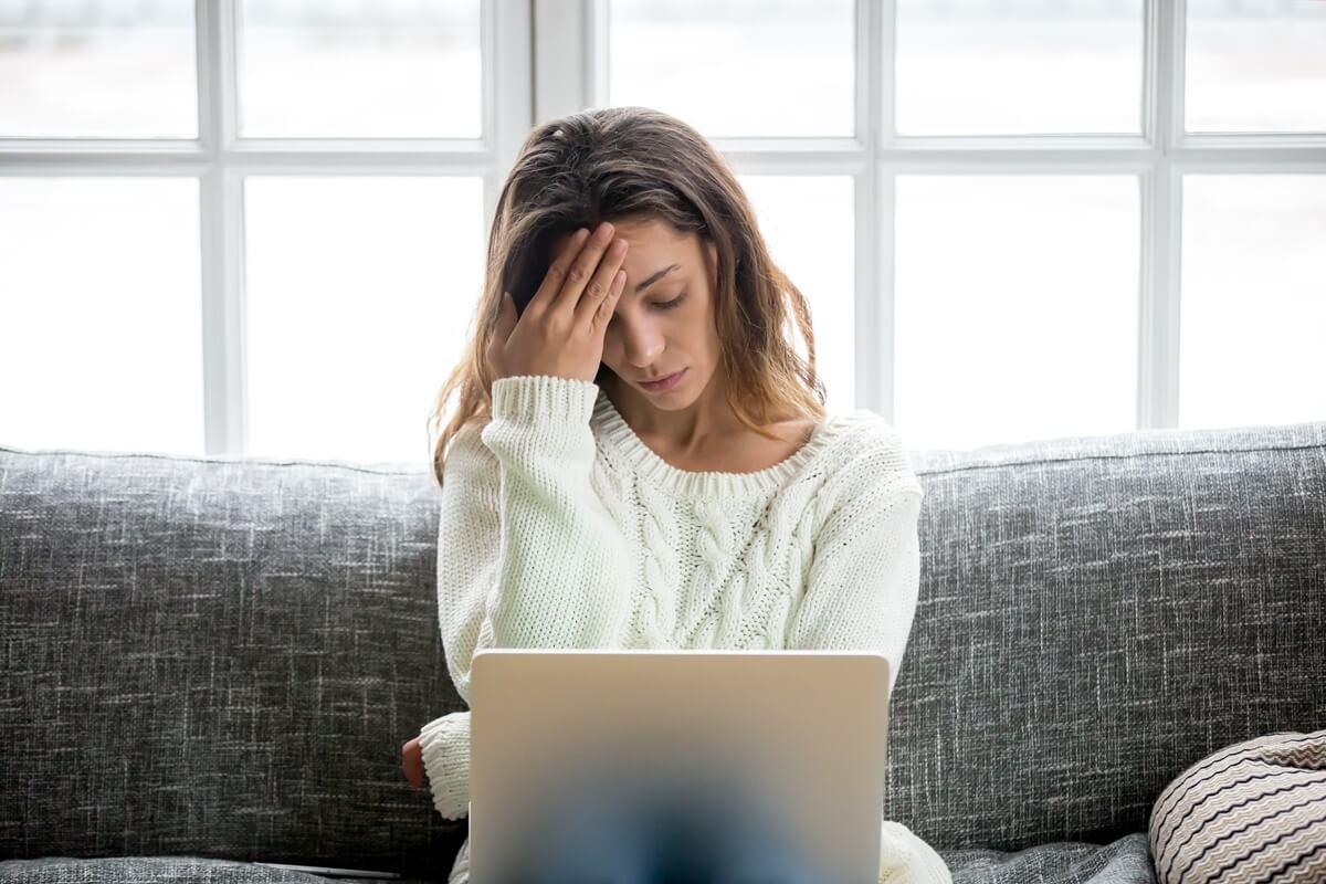 Sternenkind-Mutter verarbeitet online ihre Trauer