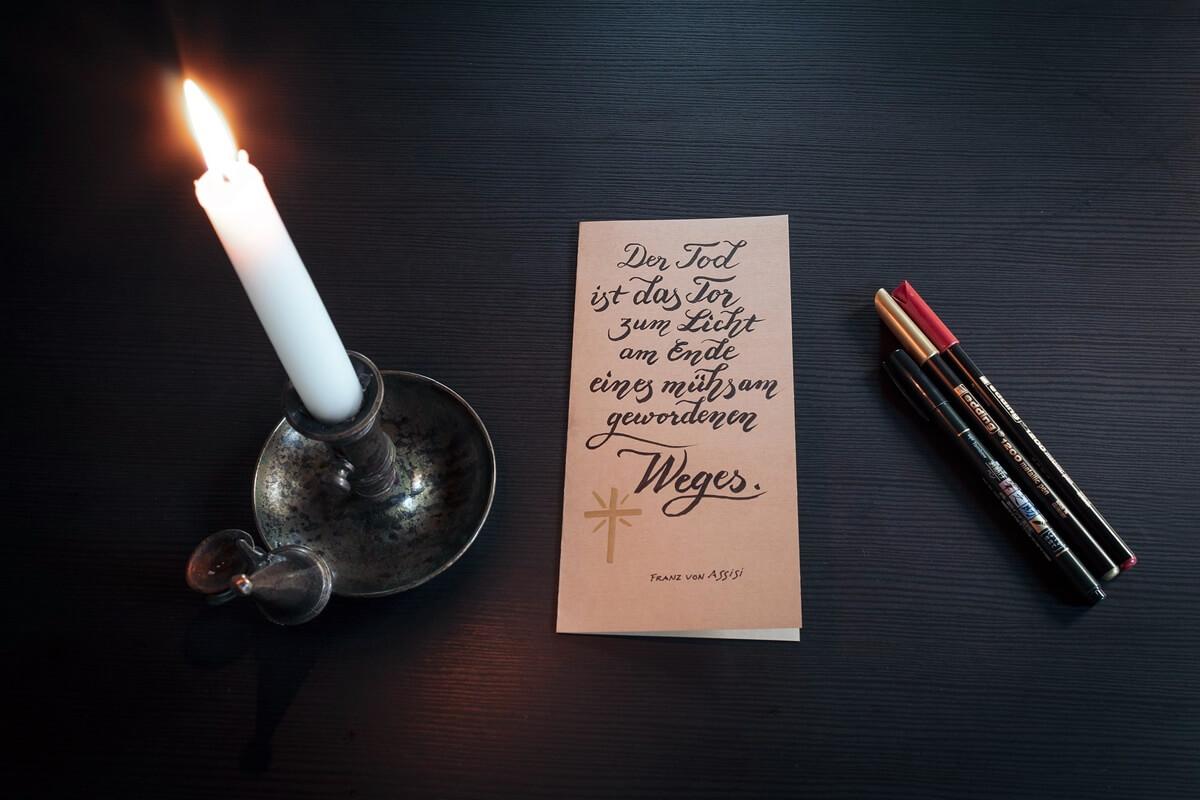 Trauerkarte schreiben wenn Beileidsbekundung nicht erwünscht