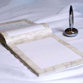 Eine Grafik zu Kondolenzbücher entdecken