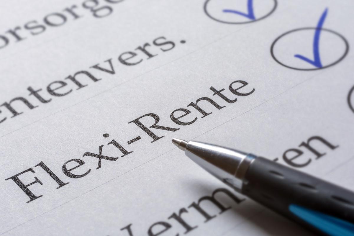 Mit der Flexi-Rente wurde den starren Konzepten des Rentensystems entgegengearbeitet und Bürgern die Wahl bzgl. des Eintrittsalters lassen.