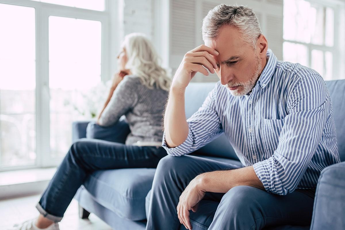 Eine Scheidung vom Ehepartner ist laut Gesetzgeber kein Verzichtgrund auf Ihre Witwenrente.