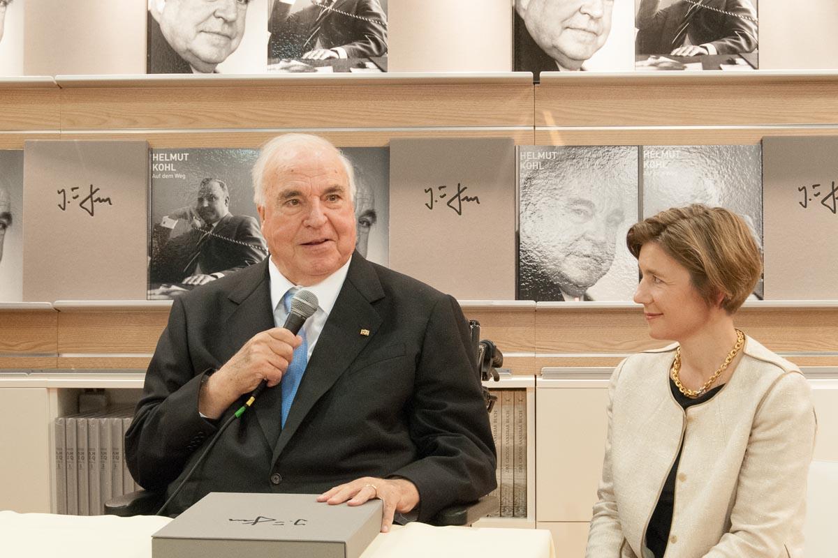 Helmut Kohl und seine Frau Maike Kohl-Richter bei der Frankfurter Buchmesse 2010